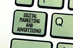 Handskrifttext som skriver den Digital marknadsföringen och annonserar Innehåll för befordran för massmedia för begreppsbetydelse royaltyfria bilder