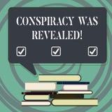 Handskrifttext som skriver komplott, avslöjdes Begreppet som betyder aktiviteten av i hemlighet planerat, var släppt loss ojämnt royaltyfri illustrationer