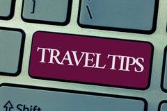 Handskrifttext som skriver loppspetsar Begrepp som betyder rekommendationer för en säker bekväm semester för lycklig resa royaltyfria bilder