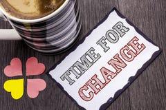 Handskrifttext Tid för ändring Början för evolution för ögonblick för begreppsbetydelse riskerar ändrande nya för att växa skrift Royaltyfria Foton