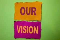 Handskrifttext vår vision För innovationstrategi för begreppet som skyler över brister den menande riktningen för syftet för dröm Royaltyfri Bild