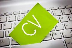 HandskrifttextCV För jobbsökaren för begreppet erfar menande liv utbildningsfärdighetexpertis och sakkunskap royaltyfria bilder