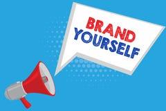 Handskrifttextmärke själv Begreppsbetydelsen framkallar en personlig produkt för unik yrkesmässig identitet royaltyfria bilder