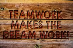 Handskrifttextteamwork gör det dröm- arbetet att kalla Uppnår menande kamratskaphjälp för begrepp framgångträbakgrundstappning w stock illustrationer