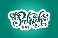 Handskriven märka typografi för lyckliga Sts Patrick dag design tecknad elementhand Logoer och emblem för inbjudan, kort royaltyfria foton