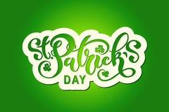 Handskriven märka typografi för lyckliga Sts Patrick dag design tecknad elementhand Logoer och emblem för inbjudan, kort arkivfoto