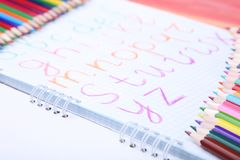 handskrivet alfabet Arkivfoton