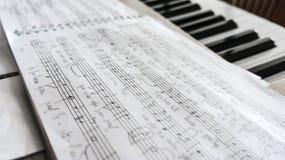 Handskrivet musikark Fotografering för Bildbyråer