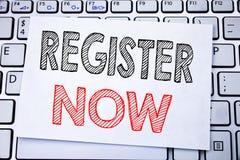 Handskrivet register för textöverskriftvisning nu Affärsidéhandstil för registreringen för skriftligt på klibbigt anmärkningspapp arkivbild