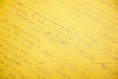 Handskrivna anmärkningar och beräkningar arkivbilder