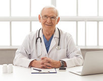 Handsome old doctor Royalty Free Stock Photography