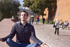 Handsome young man relaxing in the city Royalty Free Stock Photography
