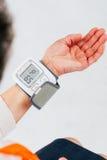 Handspannungsmesser Stockfotografie