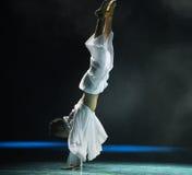 Handstand-σύγχρονος χορός Στοκ φωτογραφία με δικαίωμα ελεύθερης χρήσης