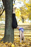 Handstand joga poza zdjęcie stock