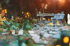 Handstitched Weihnachtsspielzeugkrippe lizenzfreies stockbild