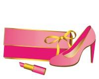 Handtas, schoenen, lippenstift, roze op wit Stock Afbeeldingen