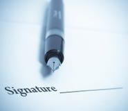 Handtekening en pen Royalty-vrije Stock Afbeeldingen