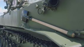 Handtool för fältbefästning ombord av 1B119-1 för artilleriobservation för reostat -1 medlet och artillerieldkontroll stock video