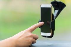 Handtouch Screen am intelligenten Telefon Stockfotografie