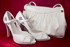 handväska vita heeled höga skor Royaltyfri Foto