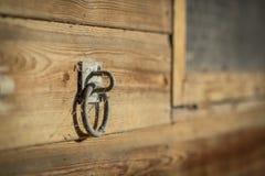 Handvat op een houten muur Royalty-vrije Stock Foto