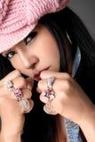 Handvol Met juwelen getooide ringen royalty-vrije stock foto's