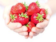Handvoll der Erdbeerenahaufnahme Lizenzfreie Stockbilder