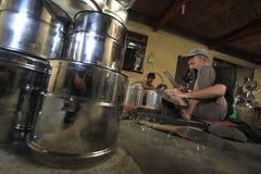 Handwerk bearbeitet traditionellen Dampfer Stockbild