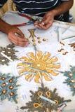 Handwerker, der Mosaik macht Stockbilder