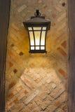 Handwerker Style Exterior Lamp auf Außenwand Lizenzfreies Stockbild