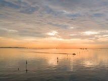 handwerkliche Fischereien mit Sonnenuntergangszenen Lizenzfreies Stockfoto