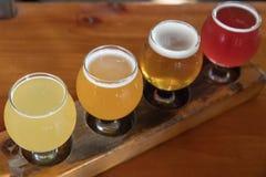 Handwerks-Bier-Beispielprobieren-Flug Stockbilder