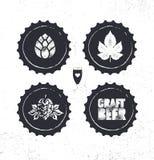 Handwerks-Bier-Brauerei-Handwerker-kreatives Vektor-Stempel-Zeichen-Konzept Raue handgemachte Alkohol-Fahne Menü-Seiten-Gestaltun stock abbildung