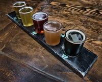 Handwerks-Bier-Flug stockbilder