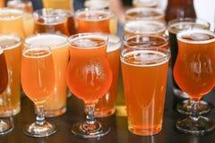 Handwerks-Bier-Probieren-Flug lizenzfreie stockfotos