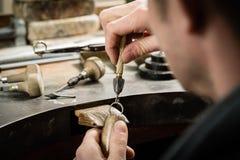 Handwerksschmuckherstellung lizenzfreies stockfoto