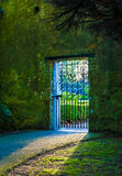 Handwerkstor im Marlay-Parkgarten Lizenzfreie Stockfotos
