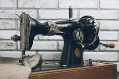 The handwheel vintage sewing machine Royalty Free Stock Photography
