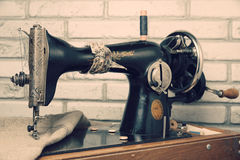 The handwheel vintage sewing machine Royalty Free Stock Images