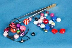 Handwork parelsuitrustingen voor het maken van juwelen Stock Afbeelding