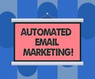 Handwriting emaila tekst Automatyzujący marketing Pojęcia znaczenia email wysyłał automatycznie lista pokazywać Pustego przenośne royalty ilustracja