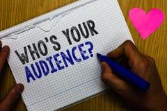 Handwriting tekst Który Twój widowni pytaniem jest s Pojęcia znaczenie pyta someone o słuchacz kategorii trenowania papieru rejes zdjęcia stock