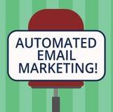 Handwriting tekst pisze Automatyzującym emaila marketingu Pojęcia znaczenia email wysyłał automatycznie lista pokazywać puste mie royalty ilustracja