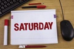Handwriting tekst pisze Sobocie Pojęcia znaczenia Pierwszy dzień weekendowy Relaksujący czasu wakacje czasu wolnego moment Pojęci Obraz Royalty Free