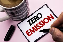 Handwriting tekst pisze Zero emisi Pojęcia znaczenia silnika silnika Energetyczny źródło który emituje żadny jałowych produkty pi Obrazy Stock