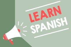 Handwriting tekst Uczy się hiszpańszczyzny Pojęcia znaczenia Przekładowy język w Hiszpania słownictwa dialektu mowy megafonu głoś ilustracji