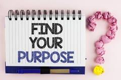 Handwriting tekst Znajduje Twój Purpose Pojęcia znaczenia życia celów kariery gmeranie kształci znać możliwości pisać na notatnik Obrazy Royalty Free
