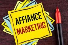 Handwriting teksta Affiance marketing Pojęcia znaczenie łączy dwa lub więcej firmy w to samo odpowiada wspólnego cel pisać na kol Fotografia Royalty Free