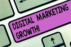Handwriting teksta Cyfrowego Marketingowy przyrost Pojęcie znaczy wielkie online produkt sprzedaże lub usługowego dochodu Klawiat fotografia stock